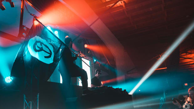 Yellow Claw Image
