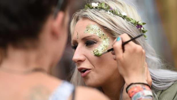 Festival glitter girl