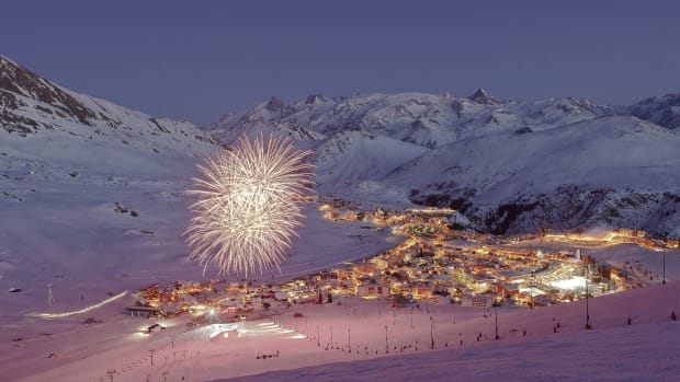 A CG image of Tomorrowland Winter with fireworks going off.