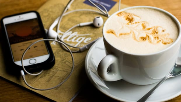 coffee iphone headphones