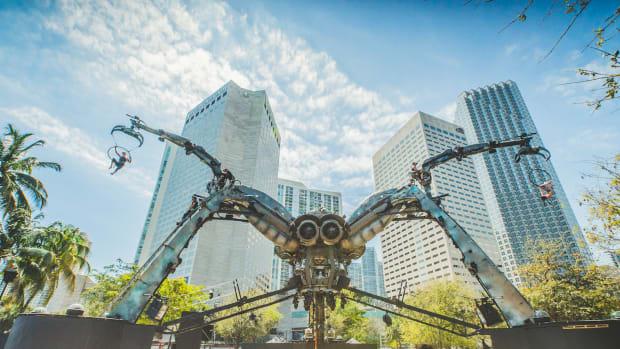Arcadia Spider - RESISTANCE -Ultra Music Festival Miami