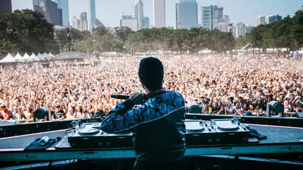 chicago skyline, perrys stage, lolla