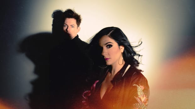 "Lena Leon & Andy Tongren - Press Photo for new Single ""Walls"""