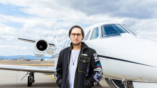 Jauz Press Photo Airplane