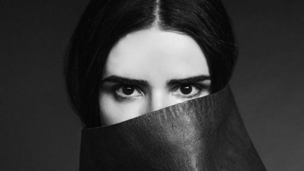 ANNA_horizontal_face cover