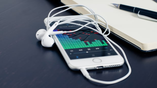 iphone-smartphone-technology-music-38295