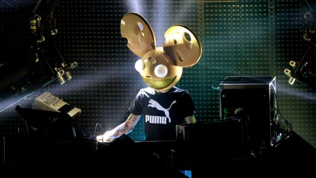 deadmau5 wearing mau5head during a DJ performance.