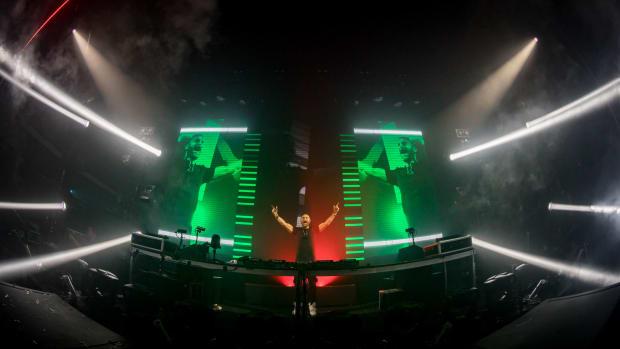 David Guetta NYE 2018 Brooklyn Navy Yard Light & Life
