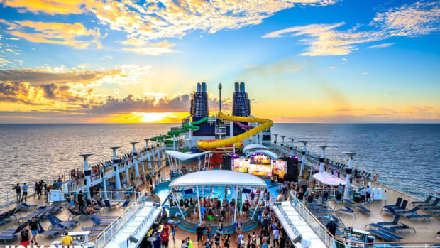 A photo from cruise ship festival Holy Ship! courtesy of EDM event photographer Rukes.