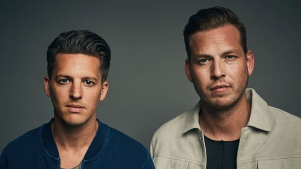 Color head shot photo of DJ/producer duo Firebeatz (Tim Smulders and Jurre van Doeselaar).