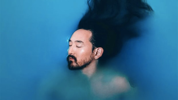 The cover of Blue: The Color of Noise, a memoir by Steve Aoki.