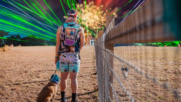 GenZ - RaveRunner - The Ultimate Festival Hydration Pack (EDM.com Review)