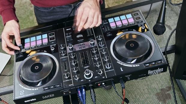 DJCInpulse500_Lifestyle1