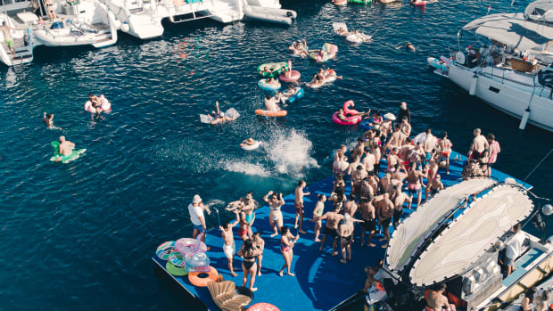 yacht week floating stage