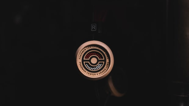 Pokeball-Wooden-Pokemon-Grado-Headphones-2
