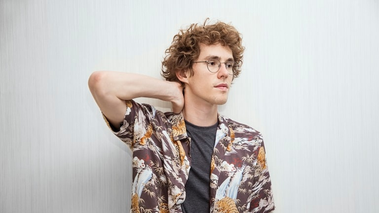 "Lost Frequencies Calls Out For Summer In Latest Single, ""Recognise"" With Flynn"