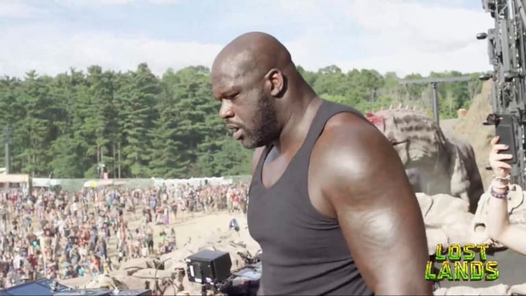 BREAKING: Shaq Surprises Lost Lands With A Legendary Set