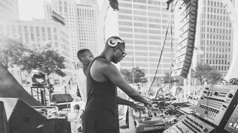 Kevin Saunderson's Son Urinates Next to DJ Booth at Mix in Detroit