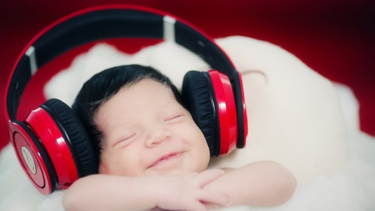 Hear the Number One Song From the Day You Were Born