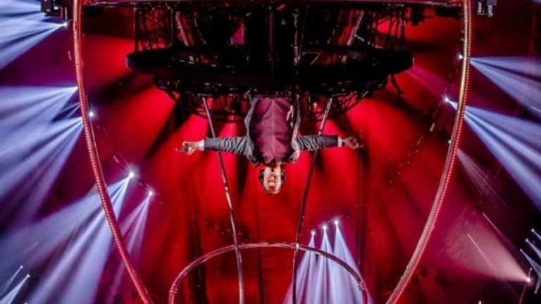 Armin Van Buuren Performs Upside Down in a 360 Degree Rotating DJ Booth!