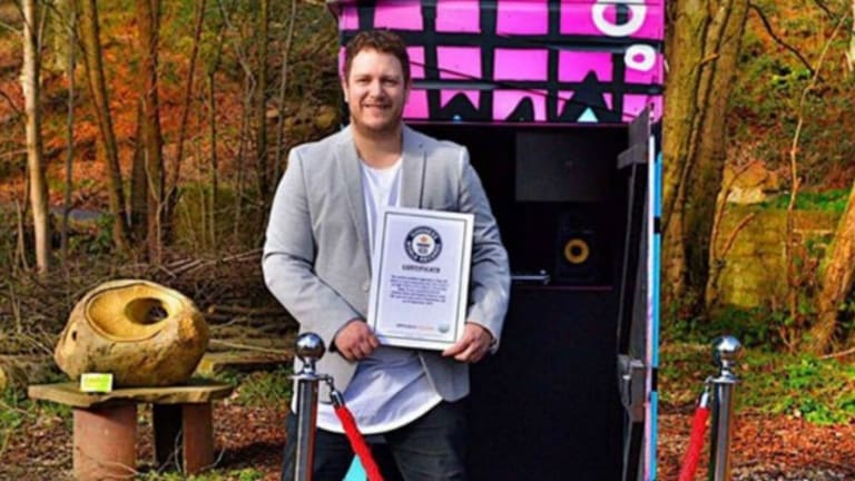 There's a New World Record for the Smallest Mobile Night Club