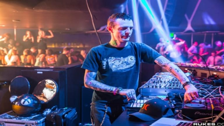 Watch Deadmau5 End His FIrst Testpilot Set In NYC By Trolling Avicii