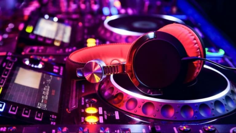 6 Things DJs Need to Leave Off the Stage
