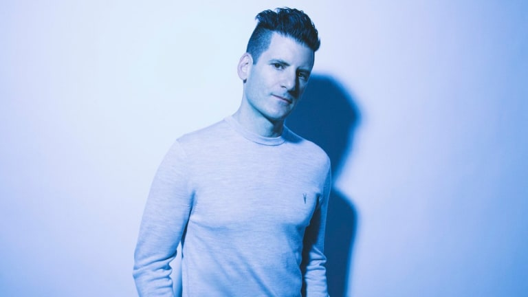 "DESTRUCTO Teams Up With Loge21 For Dancefloor-Ready ""No Retreat"""