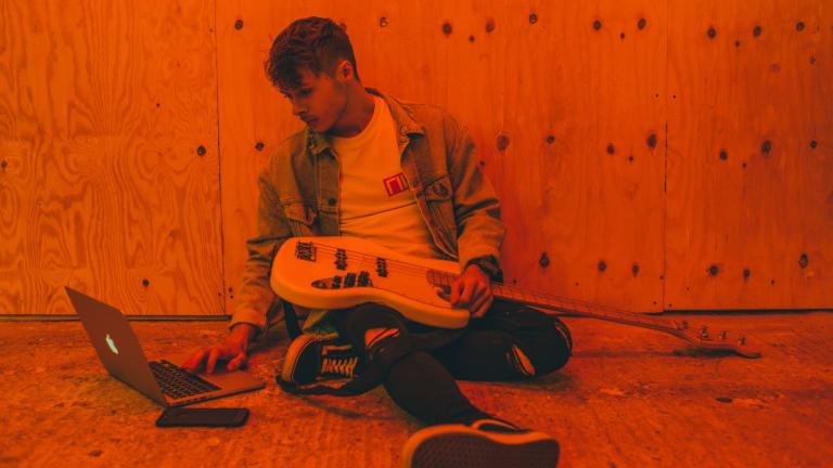 "Ellis Drops Groovy Space-Funk Song ""Moon Funk"" via CloudKid Records"