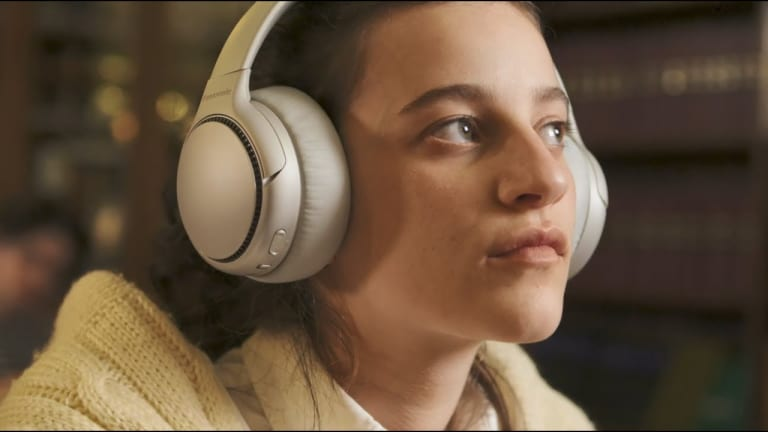 Panasonic's RB-M700B Headphones Deliver Mighty Bass