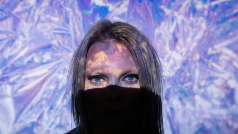 "Breakout British Artist Tiggi Hawke Drops Emotive New Single, ""High Season"""