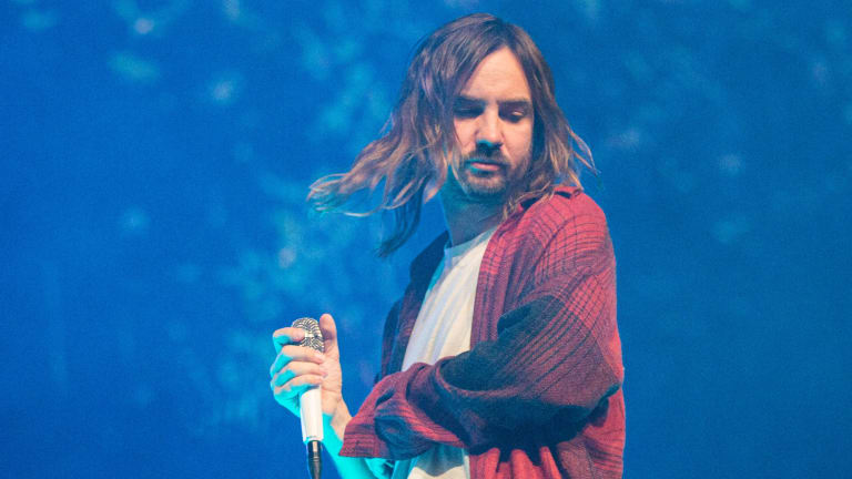 "Watch Kevin Parker Bring His ""Tame Impala Soundsystem"" to Jimmy Fallon with ""Borderline"" Performance"