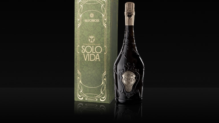 Tomorrowland Solo Vida Wine: The New Drink to Help Forget That Festivals are Canceled
