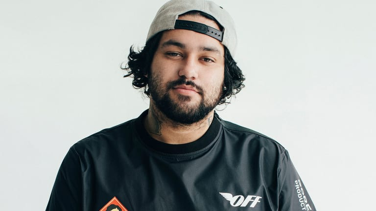 "Bust It Out to Deorro's Latin-Inspired ""Cuando"""
