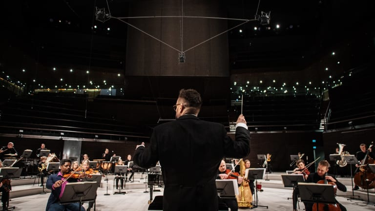 "Symphony Orchestra Recreates Darude's ""Sandstorm"" to Fight Climate Change: Watch"