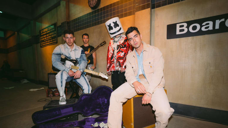 """Jonas Brothers and Marshmello Drop New Collab """"Leave Before You Love Me"""""""