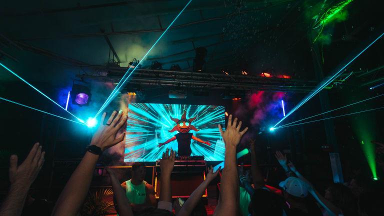 "ALWZ SNNY Throws Down at Special ""SNNY NITES"" DJ Set"