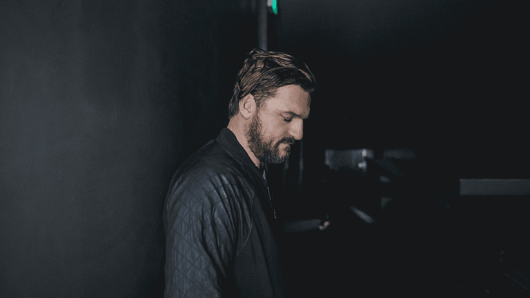 Solomun Disrespects Muslims With An Islamic Call To Prayer Sample