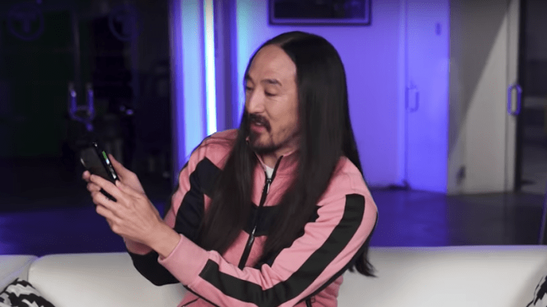 Steve Aoki and Ninja Among Stars Who Unboxed the Samsung Galaxy Fold