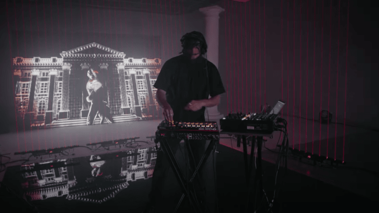"Watch Apashe's Mind-Bending DJ Set from the ""League of Legends Mid-Season Streamathon"""