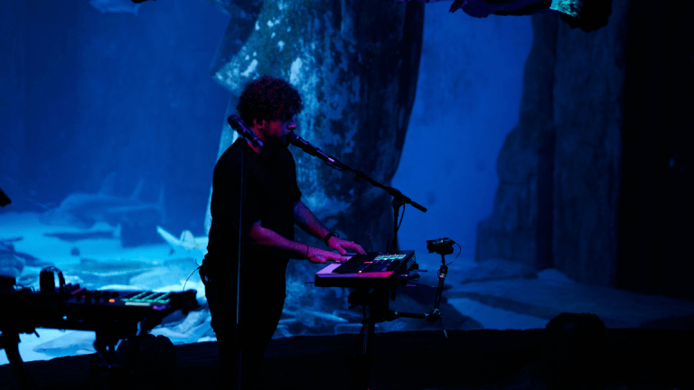 Watch Elderbrook Perform Dazzling Live Set at a Luminescent London Aquarium