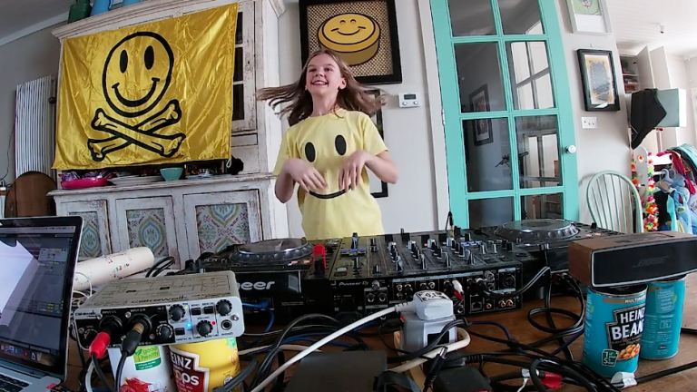 "Watch Fatboy Slim's 10-year-old daughter DJ as ""Fat Girl Slim"""