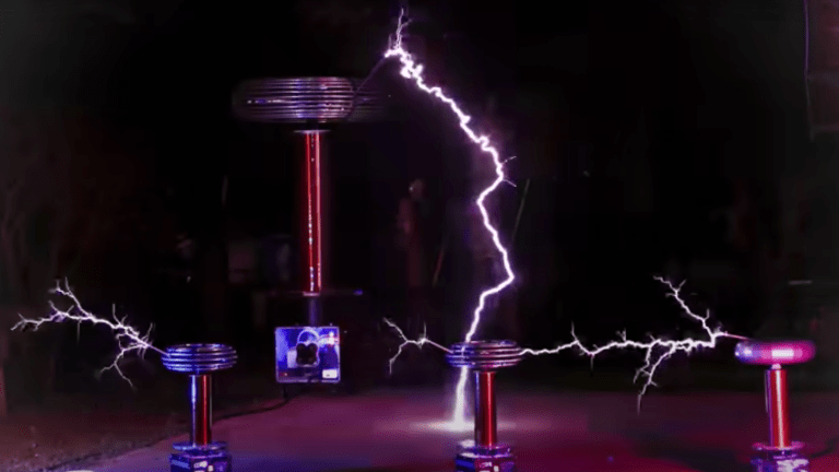 """Watch Tesla Coils Perform Live Rendition of Daft Punk's """"One More Time"""""""
