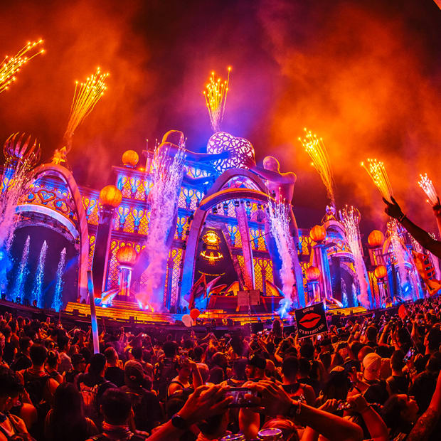 A photo of the main stage with fireworks going off at EDC Las Vegas 2018.