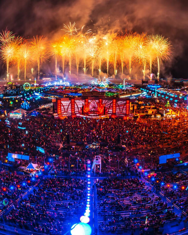 A photo of fireworks going off above EDC Las Vegas courtesy of Insomniac photographer Jake West.