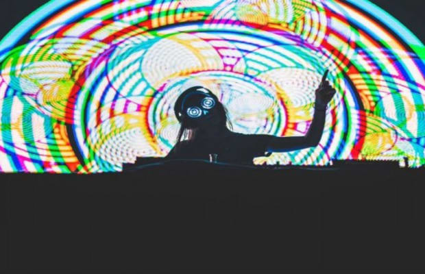 """""""RELAX"""" WITH REZZ'S HYPNOTIC FIRST TRACK OFF HER UPCOMING DEBUT ALBUM"""