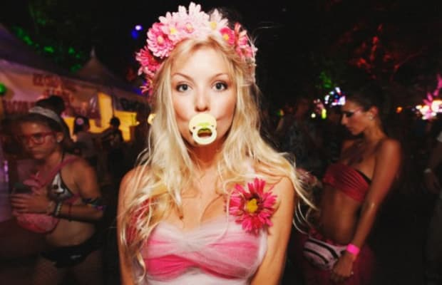 15 Things You Need To Know About Dating A Rave Girl