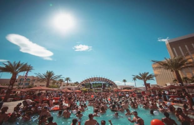 IN VEGAS & CAN'T MAKE IT TO EDC? ELECTRIC FAMILY X DAYLIGHT BEACH CLUB HAS YOU COVERED