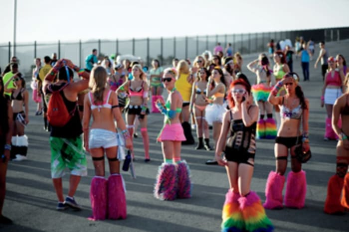 7 Ridiculous Sights To Look Out For At Edc Las Vegas Edm