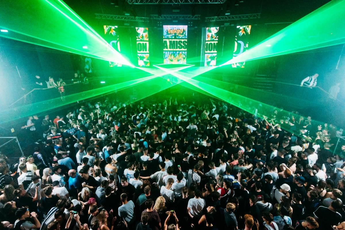 UK Club Switch Reopens By Reclassifying Itself as a Bar - EDM.com